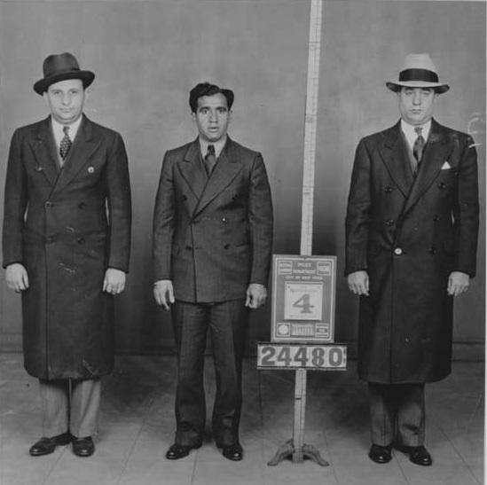 מימין: ג'וזף ברנסטין, אייב רלס וסם ברנסטין