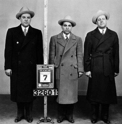 מימין: פרנק אבנדנדו, האפי מאיון, הארי שטראוס